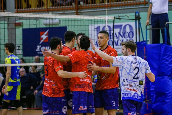 B-M: Parella super nel big-match, Caronno ko